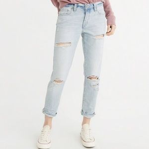 Abercrombie and Fitch Ames Slim Boyfriend Jeans 28